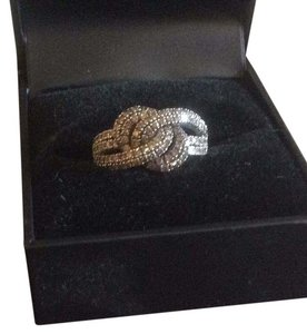 Champagne diamond Love knot ring White gold champagne diamond not love not bring