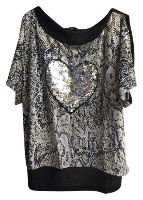 Preload https://img-static.tradesy.com/item/2104782/almost-famous-clothing-blouse-size-8-m-0-0-650-650.jpg