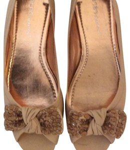 BCBGeneration taupe Flats