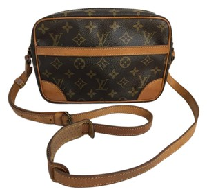 Louis Vuitton Trocadero Trocadero 24 Monogram Cross Body Bag