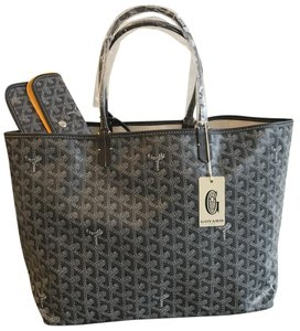 Goyard Pm St. Louis Chevron Tote in Grey