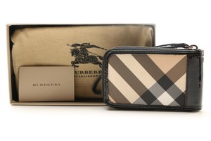 Burberry Burberry Credit Card Coin Cell Phone Case Wallet Zippered Wristlet