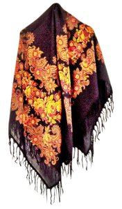 BAJRA BN 100% thinnest wool, intricate fringe, generous size, floral pattern