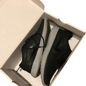 Nike Black and Gray Athletic