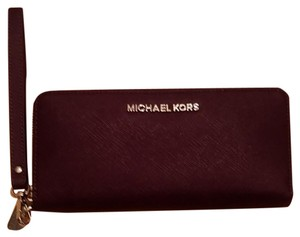 Michael Kors Wristlet in Dark purple