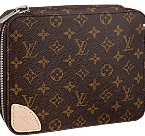 Louis Vuitton Horizon Accessories Pouch