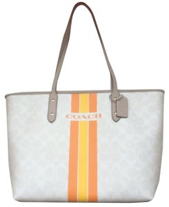 Coach Nwt New With Tags Tote in Chalk