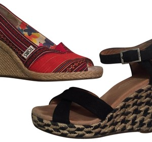 TOMS Red/Black Wedges