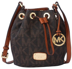 Michael Kors Signature Pvc Jules Cross Body Bag