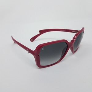 d23b4a9875b0 Louis Vuitton Magenta acetate Louis Vuitton Flore Carre square sunglasses