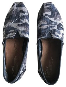 TOMS Silver, Navy Flats