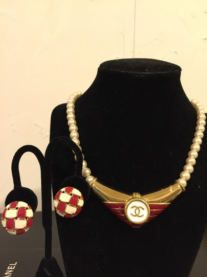 Chanel Authentic Chanel button re-purposed on vintage red enamel/gold plated pearls choker necklace + earrings