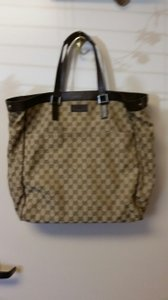 Gucci Tote in Brown & Beige