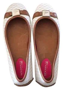 Sperry light cream Flats