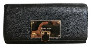 Michael Kors Michael Kors Black Leather Astrid Continental Wallet