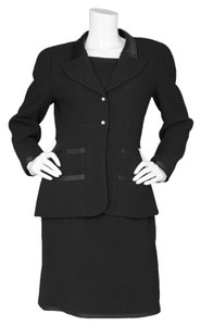 Chanel Chanel Black Wool 2 Piece Skirt Suit sz FR40