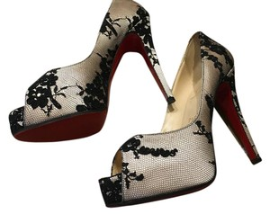 Christian Louboutin Evening Red Sole Rounded Toe 100 Mm nude/blush with black net/lace overlay Pumps