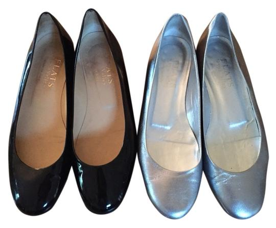 Preload https://item4.tradesy.com/images/flats-black-and-silver-flats-2105753-0-0.jpg?width=440&height=440