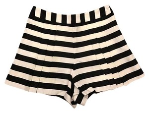 Everly Pleated Chic Dress Shorts Black and White