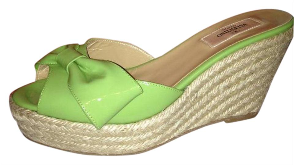 f0c8288cbac Valentino Green Patent Leather Mena Bow Espadrille Wedge Heel Mule Slides  Sandals
