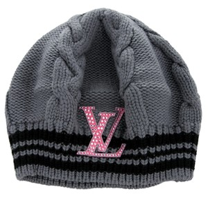 Louis Vuitton Grey, black Louis Vuitton LV logo embellished cable knit beanie