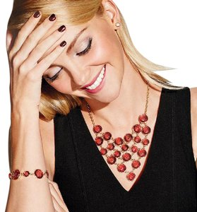 Avon Fashions Shimmering Bubbles Necklace Available in Black Only