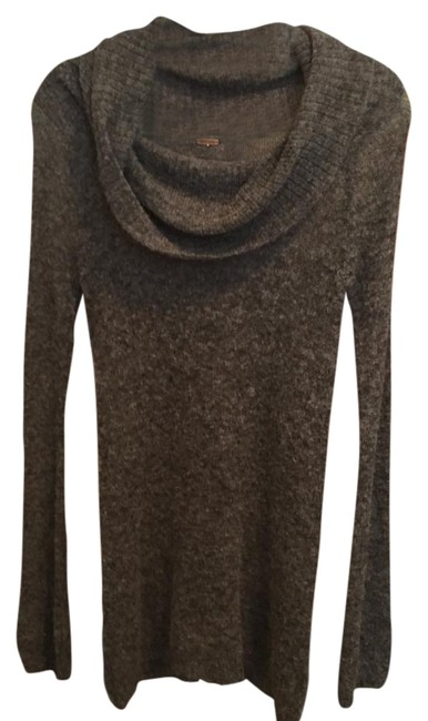 Preload https://item2.tradesy.com/images/free-people-grey-cowl-neck-sweaterpullover-size-2-xs-2106061-0-1.jpg?width=400&height=650