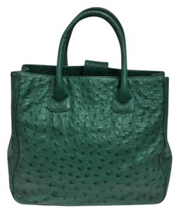 LAI Ostrich Tote in Green