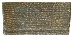 Moyna Shined Clutch. authentic silver Clutch