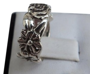 Other Statement Ring With Flowers and Leaf Designs in Sterling Silver Size 6