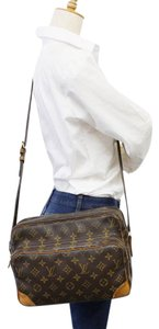 Louis Vuitton Amazon Nile Nil Reporter Messenger Messenger Bag