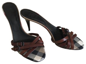 Burberry Brown /Nova check Sandals