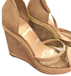 Elle Wedges