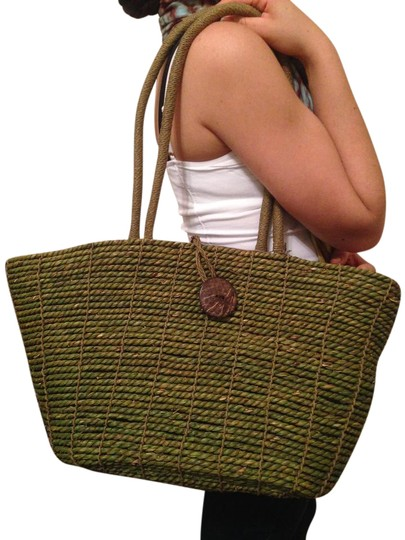 Preload https://item2.tradesy.com/images/beach-purse-picnic-purse-green-tote-21067556-0-1.jpg?width=440&height=440