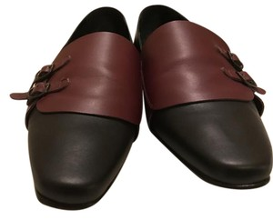 Manolo Blahnik Manolo Designer Burgundy and Black Flats