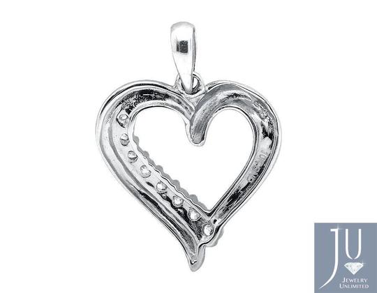 Other Ladies Heart Shape Genuine Diamond 0.75 inch Pendant Charm 0.25ct.