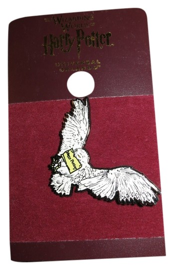 The Wizarding World of Harry Potter The Wizarding World of Harry Potter Owl Pin