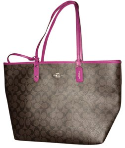 Coach Tote in Brown/Fushcia