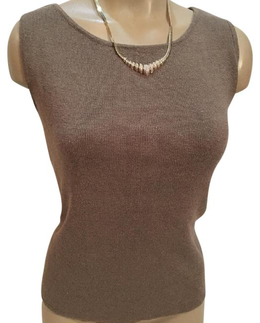 Preload https://img-static.tradesy.com/item/21068032/chico-s-brown-ribbed-knit-blouse-size-8-m-0-1-650-650.jpg
