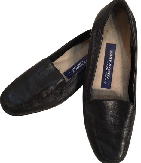 Preload https://item2.tradesy.com/images/easy-spirit-black-leather-loafer-flats-size-us-65-regular-m-b-21068356-0-1.jpg?width=440&height=440