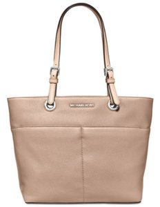 Michael Kors Tote in Cherry Red