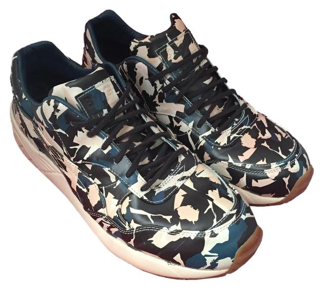 Camo Abstract Print Sneakers Size US 10 Regular (M, B) Camo Abstract Print Sneakers Size US 10 Regular (M, B) Image 1