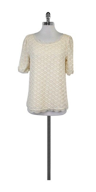 Preload https://img-static.tradesy.com/item/21068480/joie-cream-lace-short-sleeve-blouse-size-12-l-0-0-650-650.jpg