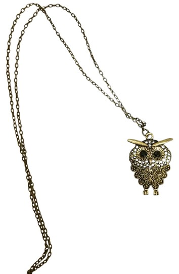 Preload https://item2.tradesy.com/images/antique-gold-tone-color-owl-pendant-necklace-21068716-0-1.jpg?width=440&height=440