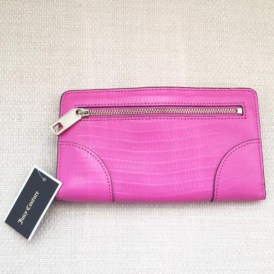 Juicy Couture Juicy Couture Leather Continental Wallet (YSRUO234)