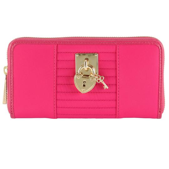 Preload https://img-static.tradesy.com/item/21068767/juicy-couture-pink-nylon-wallet-0-0-540-540.jpg