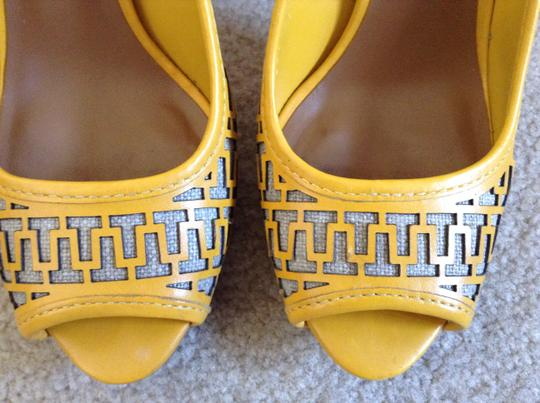 Tory Burch Nuetral Beach Vintage Yellow Platforms