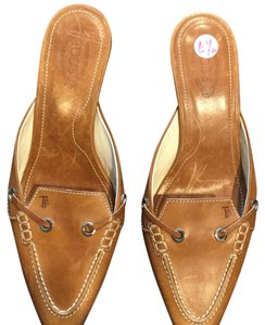Tod's camel brown Mules