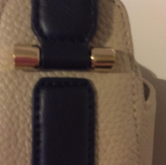 Tory Burch Hobo Bag Image 3