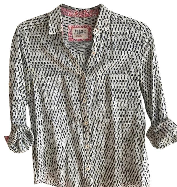 Item - Blue and Cream Holding Horses Button-down Top Size 2 (XS)